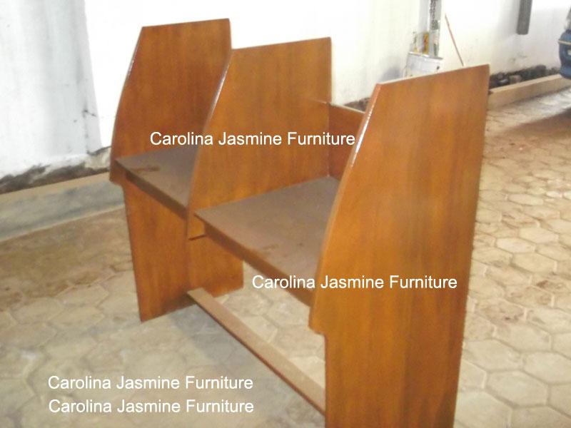 Meja lab bahasa dari kayu jati